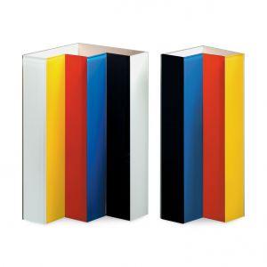 Vase Line-Up MoMA